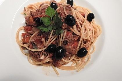 Nymphadoras Spaghetti mit Thunfisch und italienischer Tomatensauce