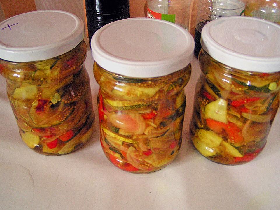 s sauer eingelegte zucchini zucchini relish rezepte suchen. Black Bedroom Furniture Sets. Home Design Ideas