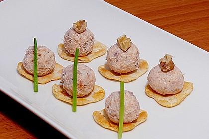 Brotaufstrich mit Räucherlachs und Walnüssen 1