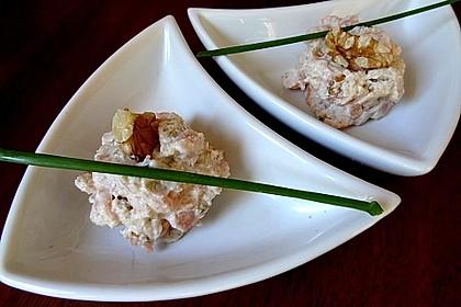 Brotaufstrich mit Räucherlachs und Walnüssen 2