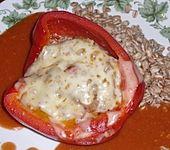 Gefüllte Paprikaschoten mit Zartweizen und Tomatengemüse