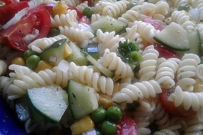 Sommerlicher Nudel - Gemüse - Salat 11