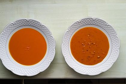 Kürbissuppe ohne und mit Gehacktem
