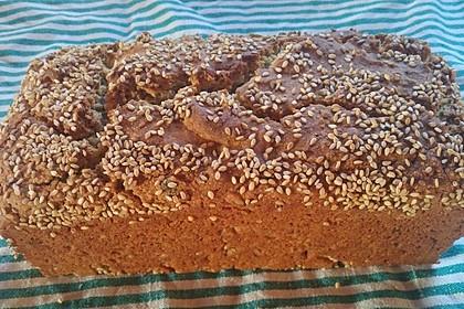 Glutenfreies Brot mit Hirse, Mais und Reis