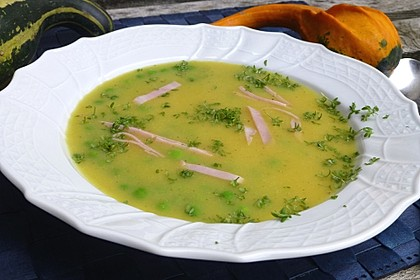 Kartoffelsuppe mit Erbsen und Curry