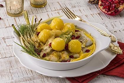 Überbackene Kartoffel-Knödel mit Granatapfel-Fenchel
