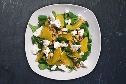 Feldsalat mit Walnüssen, Ziegenfrischkäse und Orangenfilets 1
