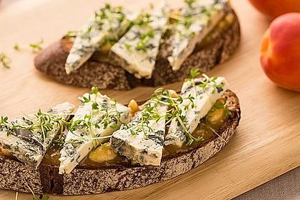 Saint Agur-Käsebrot mit Marmelade