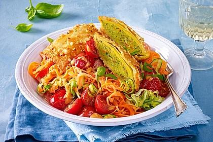 Maultaschen-Schnitzel zu Gemüse-Spaghetti