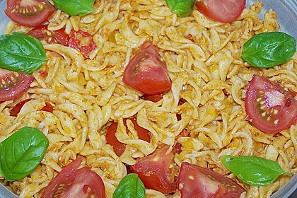 Mediterraner Spaghettisalat mit Pesto rosso 26