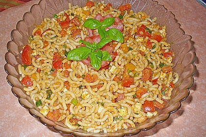 Mediterraner Spaghettisalat mit Pesto rosso 3