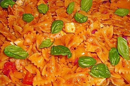 Mediterraner Spaghettisalat mit Pesto rosso 12