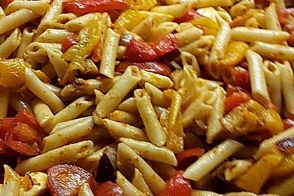 Mediterraner Spaghettisalat mit Pesto rosso 19