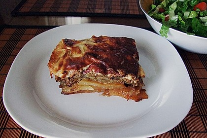 Moussaka mit Schafskäse - Bechamelsauce 10