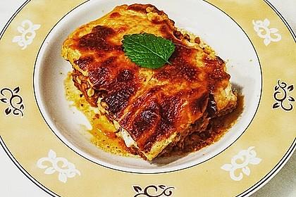 Moussaka mit Schafskäse - Bechamelsauce