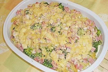 Brokkoli - Nudelauflauf mit Kräuter - Schmelzkäsesoße 19