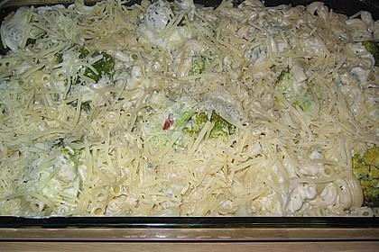 Brokkoli - Nudelauflauf mit Kräuter - Schmelzkäsesoße 36