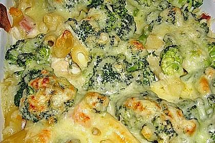 Brokkoli - Nudelauflauf mit Kräuter - Schmelzkäsesoße 12
