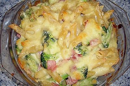 Brokkoli - Nudelauflauf mit Kräuter - Schmelzkäsesoße 4