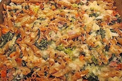 Brokkoli - Nudelauflauf mit Kräuter - Schmelzkäsesoße 21