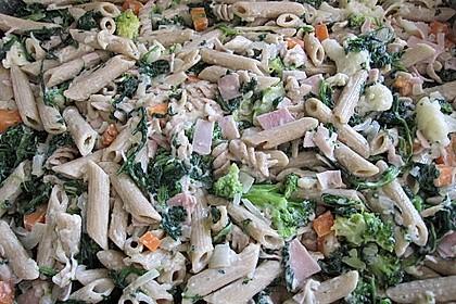 Brokkoli - Nudelauflauf mit Kräuter - Schmelzkäsesoße 47
