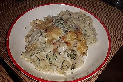 Brokkoli - Nudelauflauf mit Kräuter - Schmelzkäsesoße 34