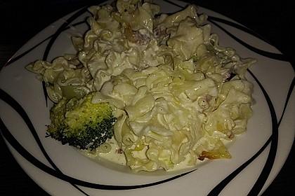 Brokkoli - Nudelauflauf mit Kräuter - Schmelzkäsesoße 20