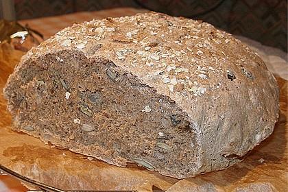 Weizen - Vollkorn - Brot mit Hefe 3