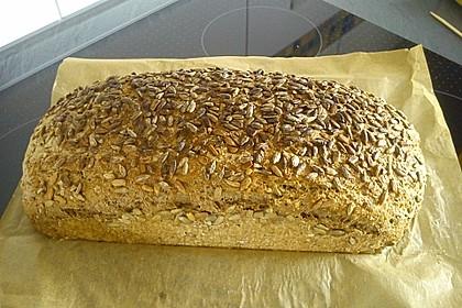 Weizen - Vollkorn - Brot mit Hefe