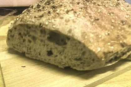Weizen - Vollkorn - Brot mit Hefe 10