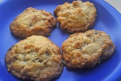 Cookies mit weißer und dunkler Schokolade und Nüssen (aus den USA) 21