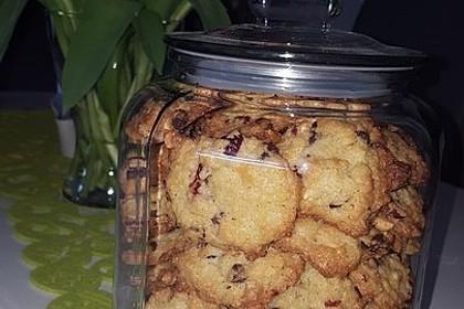 Cookies mit weißer und dunkler Schokolade und Nüssen (aus den USA) 2