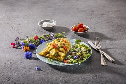 Gnocchi-Omelette mit Salat-Topping