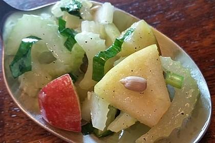 Apfel-Sellerie-Salat mit Bärlauch
