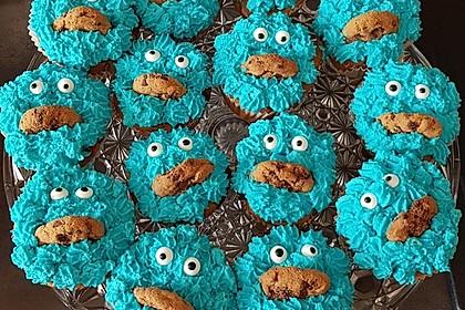 Überraschungs-Krümelmonster-Cupcakes