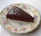 Schokoladen-Nuss-Torte