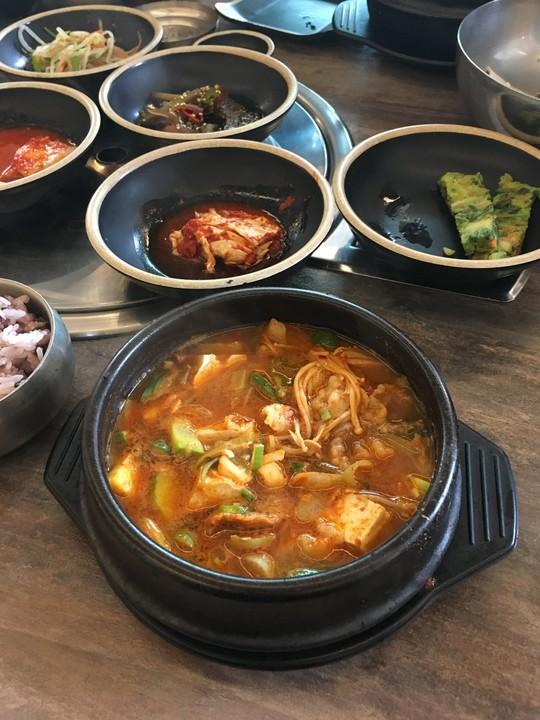 Doenjang Jjigae - Koreanischer Soja-Eintopf von LapsKlaus ...