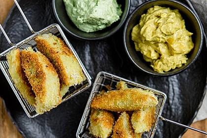 Maultaschensticks mit Curry- und Avocadodip