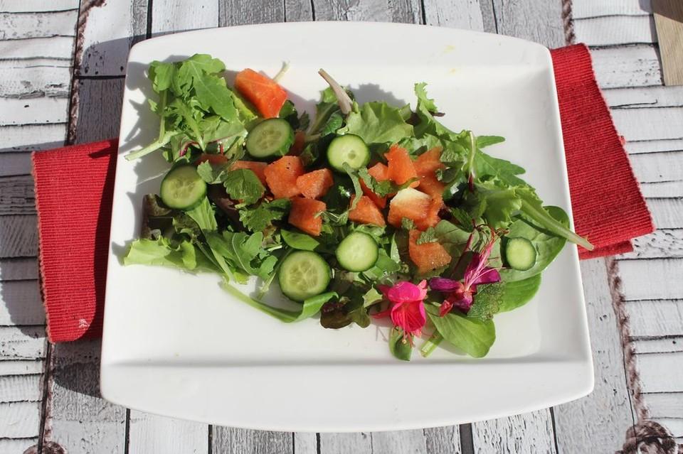 sommerlicher salat mit melone und gurke von thornapple. Black Bedroom Furniture Sets. Home Design Ideas