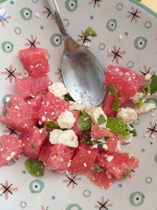 wassermelonen feta salat mit minze von fyzpmq87a. Black Bedroom Furniture Sets. Home Design Ideas