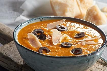 Mediterrane Kürbis-Suppe aus dem Backofen