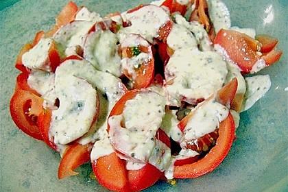 Tomatensalat mit Schmand und Honigsenf 9