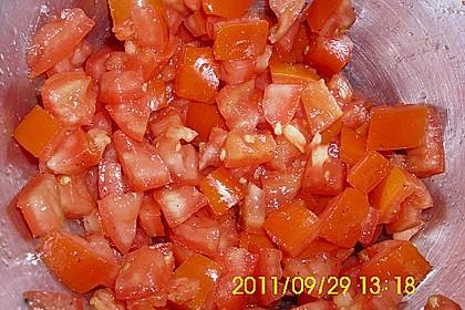 Tomatensalat mit Schmand und Honigsenf 11