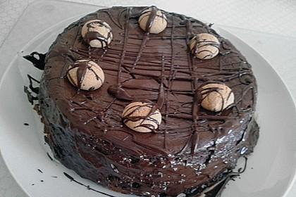 Schokoladen - Käse - Kuchen mit Amaretti 9