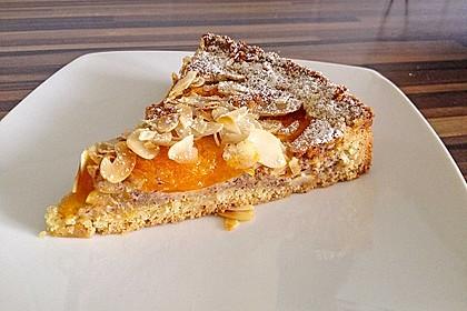 Aprikosenkuchen mit Mandelguss