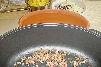 Kartoffelwürfel aus dem Bräter mit Tondeckel 4