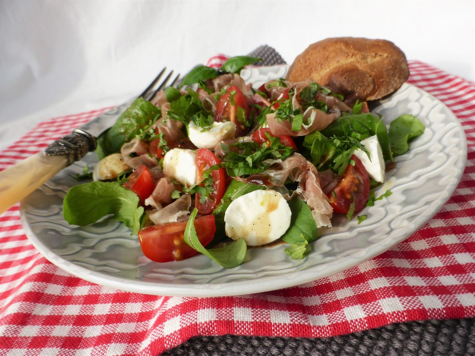 italienischer tomaten mozzarella salat mit rucola rezept mit bild. Black Bedroom Furniture Sets. Home Design Ideas
