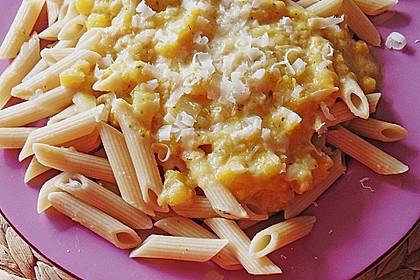 Pasta mit Kürbis und Pinienkernen 9
