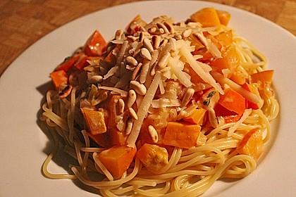 Pasta mit Kürbis und Pinienkernen 4