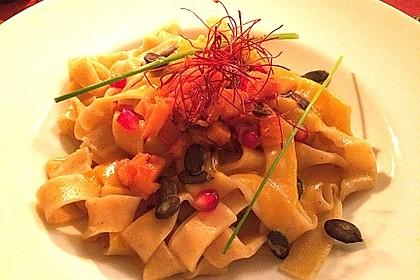 Pasta mit Kürbis und Pinienkernen 3